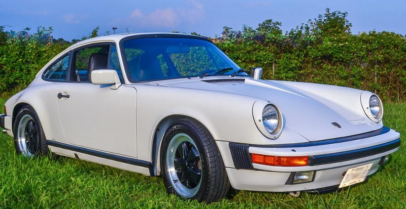 #2069 1986 Porsche 911 Carrera Coupe